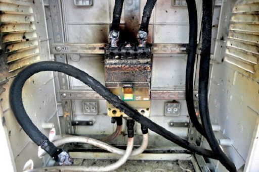 Aptomat bị cháy và cách thay thế